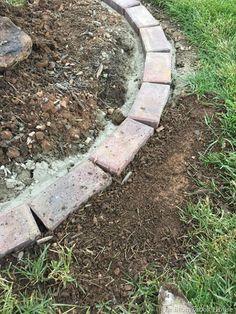 How To Install Brick Garden Borders…The Easy Way! This garden looks very . How To Install Brick Ga Garden Edging Stones, Garden Pavers, Lawn Edging, Concrete Garden, Garden Borders, Concrete Edger, Backyard Patio, Backyard Ideas, Brick Border