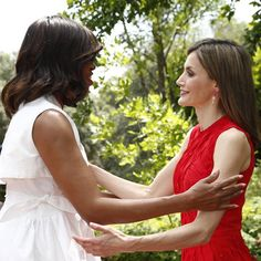 FLOTUS Michelle Obama reunites with Queen Letizia in Madrid - HELLO! Canada June 30, 2016.