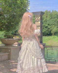 Edit by me 🦋 Fairytale Dress, Fairy Dress, Pretty Outfits, Pretty Dresses, Cute Outfits, Fashion Mode, Cute Fashion, Old Fashion Dresses, Fashion Outfits