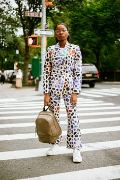 The Best Street Style Coming Out of New York Fashion Week Top Street Style, New York Street Style, Street Style Trends, Cool Street Fashion, Black Girl Fashion, Womens Fashion, Fashion Trends, Style Fashion, Fashion Styles