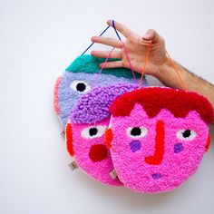 Punch Punch, Fun Easy Crafts, Rainy Day Crafts, Contemporary Embroidery, Creative Workshop, Textiles, Small Art, Punch Needle, Rug Hooking