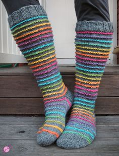 Diy Crochet And Knitting, Crochet Socks, Knitting Socks, Loom Knitting, Hand Knitting, Knitting Patterns, Cozy Scarf, Cute Socks, Wool Socks