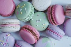 I've always had a bit of a love affair with Macarons. They conjure up images of all my favourite things,Ladurée,pastel hued crockery, vintage cutlery and afternoon teas filled with an array of intriguing flavours and sweet delights. I really wanted to try and re-create a little of that magic