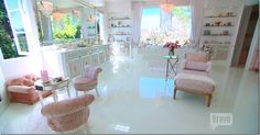 Real Housewives Of Beverly Hills Lisa Vanderpump S Glen Estate Fabulous Finds For Home Pinterest And Pink Houses