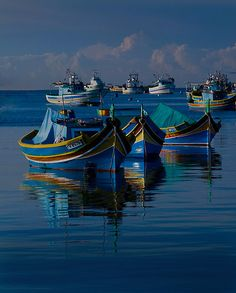 Luzzu Mediterranean Blue - Edwin Catania Great accent shades of blue Sport Fishing, Fishing Boats, Fly Fishing, Boating Pictures, Boating Tips, Cap Ferret, Boat Art, Float Your Boat, Boat Painting