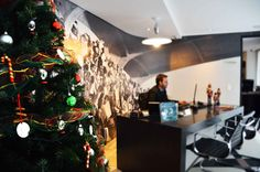 Navidad #MidCenturyModern Midcentury Modern, Christmas Tree, Boutique, Holiday Decor, Gallery, Home Decor, Home, Xmas, Teal Christmas Tree