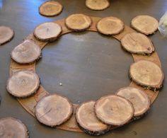 Wood slice home decor diy ideas 20 Ideas Christmas Wood Crafts, Christmas Deco, Homemade Christmas, Christmas Projects, Christmas Wreaths, Beach Christmas, Xmas, Wood Slice Crafts, Wooden Crafts