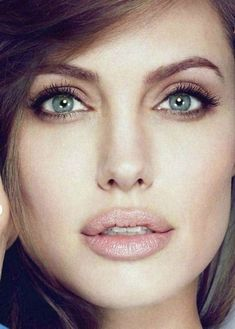Angelina Jolie makeup 50+ best outfits - Page 17 of 100 - Celebrity Style and Fashion Trends