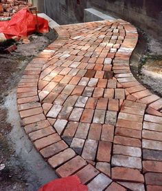 C of Vincent love recycled brick paving. Might use it over sewer line? Brick Pathway, Brick Paving, Brick Landscape Edging, Outdoor Walkway, Paver Walkway, Garden Paving, Garden Paths, Construction Images, Paving Ideas