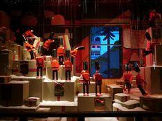 decoracao-de-natal-para-lojas-ideias-para-vitrines-natalinas-67