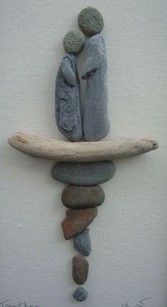 Pebble Art: Pebbles driftwood on canvas. Stone Crafts, Rock Crafts, Caillou Roche, Art Plage, Art Rupestre, Art Et Nature, Decorative Pebbles, Art Diy, Pebble Pictures