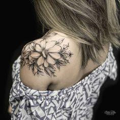 26 Awesome Floral Shoulder Tattoo Design Ideas For Woman - - Floral tattoo design , shoulder tattoo ideas for woman tattoo, flower tattoo, unique tattoo,woman t - Tattoo Trend, 1 Tattoo, Piercing Tattoo, Body Art Tattoos, Tiny Tattoo, Tattoo Ideas, Piercings, Flower Tattoo Sleeve Men, Flower Tattoo Back