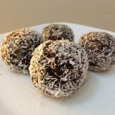 Ripped Recipes - Chocolate Coconut Truffles - Who doesn't like some balls of sweetness?