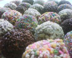 Trufas de chocolate con cubiertas varias