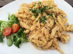 Käsespätzle Pasta Salad, Ethnic Recipes, Food, Vegetarian Food, Noodles, Cooking, Food Food, Crab Pasta Salad, Essen