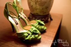 green wedding shoes photography