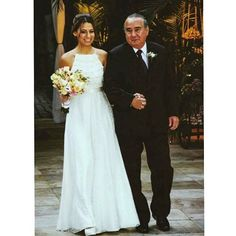 """Amanda #noivacarolnasser toda linda indo encontrar o seu amor!!❤️❤️ foto @fabiomorofotografia #carolnasseratelier #wedding #lace #noiva #bride #renda #wedding #detail #renda #fluidez #lace #gown #weddinggown #bridalstyle #weddingdress #casamento #vestidodenoiva #sposa #weddingfashion"" Photo taken by @carolnasseratelier on Instagram, pinned via the InstaPin iOS App! http://www.instapinapp.com (08/13/2015)"