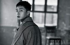 Park Seo Joon in Harper's Bazaar Korea January 2017 Park Seo Joon, Most Beautiful Faces, Boy Pictures, Harpers Bazaar, Sergio Rossi, Perfect Man, Korean Actors, Korean Dramas, Korean Men