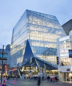 Gallery - Ryerson University Student Learning Centre by Zeidler Partnership Architects + Snøhetta / Toronto, ON, Canada Amazing Buildings, Amazing Architecture, Modern Architecture, Toronto Architecture, Education Architecture, Architecture Visualization, Architecture Board, Learning Centers, Student Learning