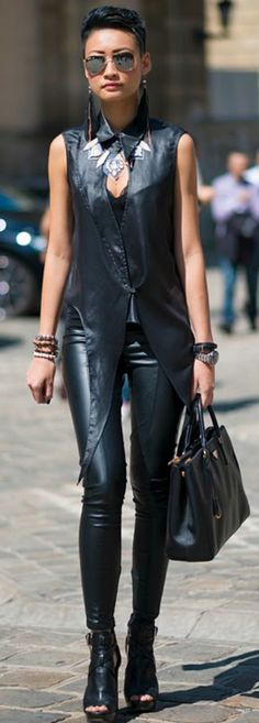 http://www.sveteshtiboi.com/. I love this outfit!!!
