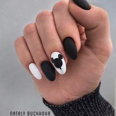 The best new nail polish colors and trends plus gel manicures, ombre nails, and nail art ideas to try. Get tips on how to give yourself a manicure. Edgy Nails, Grunge Nails, Stylish Nails, Trendy Nails, Swag Nails, Pink Nails, Cute Nails, Disney Acrylic Nails, Acrylic Nails Coffin Short