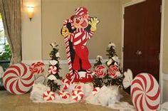 Mr Mint Candy Land Christmas, Grinch Christmas Decorations, Christmas Yard, Christmas Ideas, Christmas 2019, Xmas, Stall Decorations, Candy Land Theme, Giant Candy