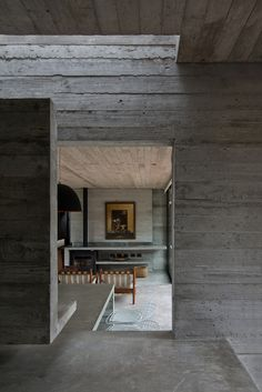 Luciano Kruk Arquitectos complete concrete and glass cabin Concrete Architecture, Architecture Details, Interior Architecture, Interior And Exterior, Residential Architecture, Glass Cabin, Concrete Interiors, Concrete Houses, Concrete Building