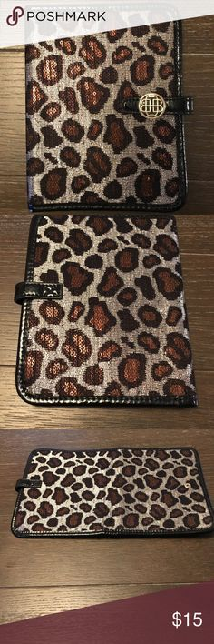 Dana Buchman Tablet Case Dana Buchman Tablet Case  📱should fit certain Samsung Galaxy Tabs and Amazon Kindle Fires 📱Sleek, chic design with snap closure 📱Leopard print  📱Holds cash & cards  2/7 Dana Buchman Accessories Tablet Cases
