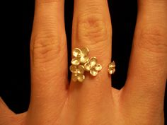 Flower Ring - I like how it doesn't connect..