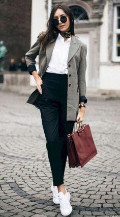 23f86aa6e Daily Winter Outfits to Copy Right Now #CARE.INSIDE.OUT #girlsinsights # · Štýlové  OblečenieŠtýlové OblečenieTrendové ...