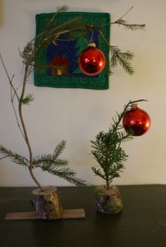 """How to make a """"Charlie Brown"""" Christmas tree · Recycled Crafts 
