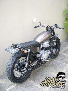 Kawasaki KZ200 Brat Style by Mototrigger #motorcycles #bratstyle #motos | caferacerpasion.com