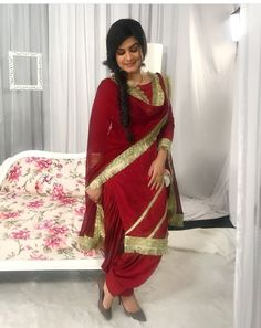Sarees Online: Shop the latest Indian Sarees at the best price online shopping. From classic to contemporary, daily wear to party wear saree, Cbazaar has saree for every occasion. Red Chiffon, Chiffon Saree, Latest Indian Saree, Indian Sarees, Pakistani Dresses, Indian Dresses Online, Modern Saree, Sarees Online India, Designer Sarees Online