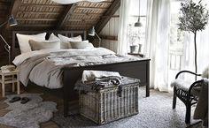 HEMNES dubbelsäng i ett härligt vintrigt sovrum