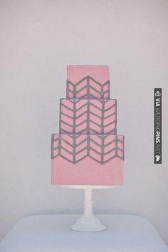 pink and gray wedding cake | CHECK OUT MORE IDEAS AT WEDDINGPINS.NET | #weddingcakes
