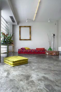 Garagem_transformada_apartamento_Grécia_Andeas_Manolioudakis_house_photo_Pavlos_Tsokounoglou