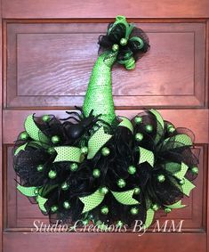 Excited to share this item from my shop: Witch Hat Wreath, Whimsical Hat, Halloween Hat, Hallo Halloween Door Wreaths, Halloween Deco Mesh, Halloween Door Decorations, Christmas Gift Decorations, Halloween Kostüm, Holiday Wreaths, Christmas Hats, Christmas Deco, Vintage Halloween
