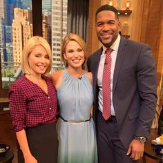 with Kelly and Michael - with GMA's Amy Robach Amy Robach, Kelly Ripa, Hair Beauty, Breast, Suit Jacket, Hairstyles, Live, Jackets, Women