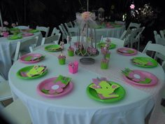 Jungle Jill tables decorations by  Country Rumcakes by Tanis
