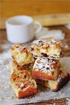 Greek Sweets, Greek Desserts, Just Desserts, Delicious Desserts, Apple Dessert Recipes, Fruit Recipes, Apple Recipes, Sweet Recipes, Cinnamon Desserts