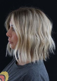 35 Hairstyle of the most beautiful women with short hair – Hairstyle Fix - Frisuren kurze Curled Hairstyles, Hairstyles Haircuts, Fringe Hairstyles, Bob Haircuts, Hairdos, Kahleesi Hair, Medium Hair Styles, Short Hair Styles, Bob Haircut With Bangs
