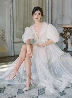 Poetry of Love - an Italian bridal editorial featuring the latest collection of wedding shoes from Bella Belle Shoes via Magnolia Rouge Wedding Shoes, Wedding Gowns, Wedding Day, Wedding Mandap, Wedding Stage, Wedding Receptions, Bridal Robes, Bridal Dresses, Bridal Shoot