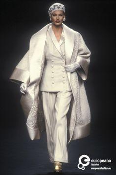 1992 - Search Results - Europeana Collections News Fashion, Suit Fashion, High Fashion, Fashion Outfits, Classy Outfits, Vintage Outfits, Vintage Fashion, Couture Fashion, Runway Fashion