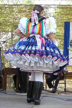 Viseletes szépségverseny Folk Dance, Folk Costume, Traditional Dresses, Folklore, Hungary, Dress Outfits, Nice Dresses, Harajuku, Petticoats