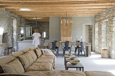L'apice del minimal - Ville in affitto a Lia, Kyklades, Grecia Amazing Spaces, Tuscany, Beautiful Homes, Minimalism, Villa, Cottage, Living Room, Interior Design, Architecture