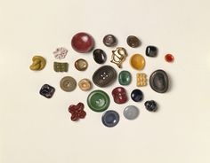 Buttons-Ceramic, made by Lucie Rie. Ca 1945-46. UK
