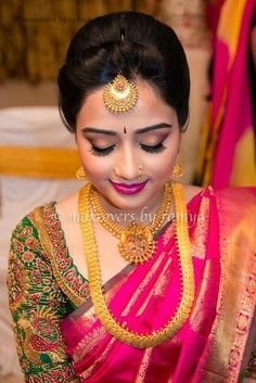 Pink silk saree is a must have in every women's wardrobe. Thus, let's have a look at beautiful blouse designs for pink color silk saree Wedding Saree Blouse Designs, Silk Saree Blouse Designs, Sari Blouse, Bridal Silk Saree, Saree Wedding, Silk Sarees, Saris, Wedding Wear, Gold Wedding
