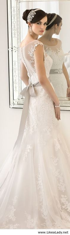Beautiful wedding dres with lace
