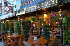 KUUNSÄTEESSÄ: Restaurant Meeting Point in Bangsaen Thailand