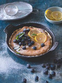 Dutch baby s citronovým krémem a borůvkami Quinoa, Acai Bowl, Pancakes, Pie, Breakfast, Desserts, Food, Acai Berry Bowl, Torte